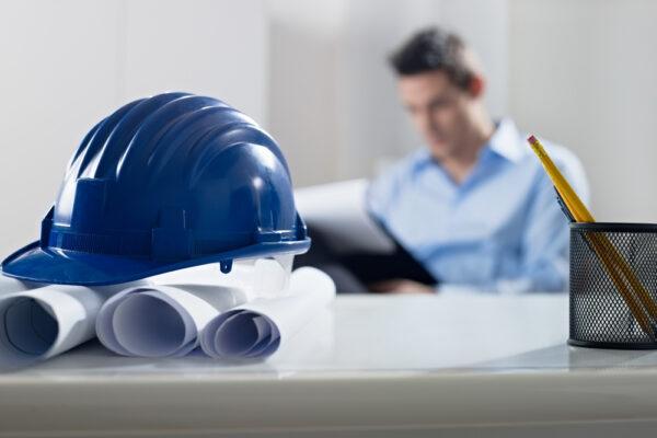 Als medewerker actief op een bouwplaats? Niet zonder bouwhelm!